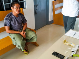 A suspected drug pusher arrested by the police in a buy bust operation in Naval, Biliran.